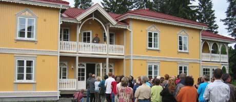 Ansatte og pasienter ved åpningen av Villa Nora