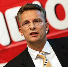 I HARDT VÆR: Orkla-leder DAg J. Opedal skal være hardt presset i forbindelse med salget av Orkla Media. ( Foto: Erlend Aas, Scanpix)