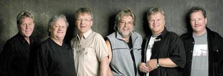 Hør igjen Norstoppvinnerne. I 1995 var det Ole Ivars og Fem gule enker som herjet øverst på Norsktoppen i mange uker.