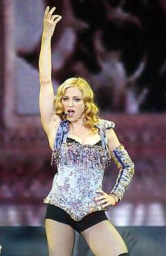 Madonna har stor suksess med sin nye Europa-turne. Foto: AP Photo / PA, Gareth Copley.