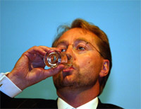 STORE TAP: Kjell Inge Røkke må betale dyrt for fotballinteressen.Foto: Knut Falch/SCANPIX