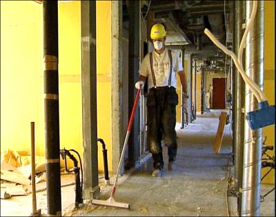 Ombyggingsarbeid for 9 millioner kroner skal gjøre gamle beboelsesrom til store celler. Foto: Omar Sejnæs