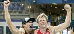 Iver Horrem og Bjørn Maaseide slapp jubelen løs etter seieren. (Foto:Jon Eeg/SCANPIX)