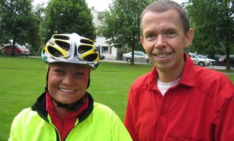 Sykepleier Camilla Lobben og sjef for utrykning og nødmeldinger ved Sykehuset Buskerud, Sindre Mellesmo.