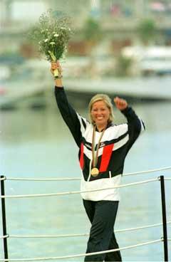 Linda Andersen jubler etter OL-gullet i 1992. (Foto: Ingar Johansen/Scanpix)