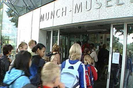 Munch-museet åpnet igjen i går, uten at overvåkningsutstyret er utbedret.