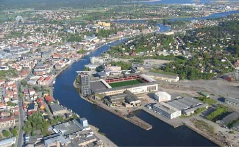 Sånn ser srkitektene for seg at hotellet bygges sammen med stadion ( Foto: Kosbergs Arkitektkontor A/S )