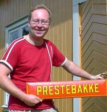 Jens Bakke i Idd og Enningdalens Historielag byr i år bl.a. på et militærhistorisk tablå under det tradisjonelle sensommerstevnet. Foto: Rainer Prang, NRK.