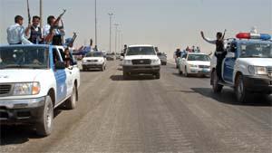 Iraks viktigste sjialeder kom til den hellige byen Najaf med politieskorte torsdag. Foto: Reuters/Scanpix