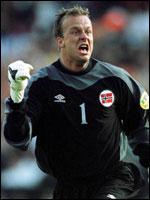 Thomas Myhre holdt målet rent mot Romania, men siden har han igjen fått problemer.