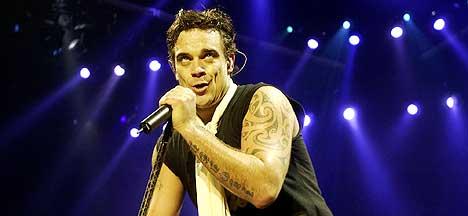 Robbie Williams kommer i oktober med samlealbum, og samtidig et annet album som en helt ny person. Foto: Thomas Bjørnflaten / SCANPIX.