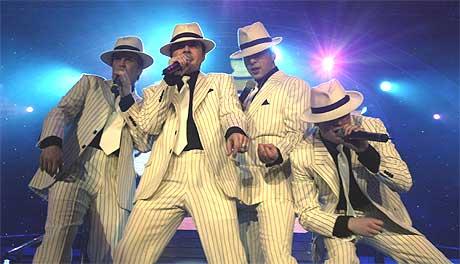 Westlife topper foreløpig den nye hitlista med en nyinnspilling av boybandets hit fra 1999, Flying Without Wings. Foto: Scanpix.