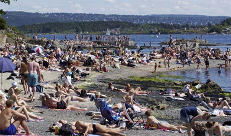 Hav, sol, strand og solmåler skal lokke nye turister til den svenske vestkysten. Ill. foto: Thomas Bjørnflaten/Scanpix