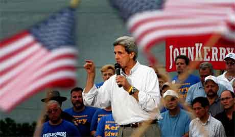 John Kerry på talarstolen i Ohio laurdag. (Foto: AFP/Scanpix)