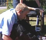 - Den største seieren var å klare og komme seg opp i stolen ved egen hjelp, forteller Jan Erik.