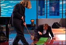 Pianistgolf: Nagell og Gisle Børge følger opp med glere rulletekst-stunts... Følg med!