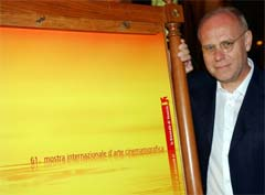 Filmfestdirektør ved filmfestivalen i Venezia , Marco Mueller, har mye å svare for. Foto; AP/Scanpix