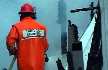 Brannmenn i Tingvoll trugar med å legge ned arbeidet.