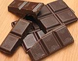Sjokolade er sunt, men i moderate mengder og helst av den rette sorten, som mørk sjokolade med høyt kakaoinnhold og mindre sukker. Foto: NRK Puls