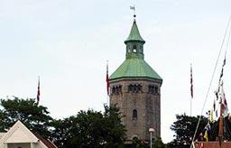 Valbergtårnet har sett skiftende tider i Stavanger. Hvordan blir 2008? Foto: Siri Bjelland Berven/NRK