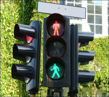 Høyre innfører nå fritt trafikklysvalg for fotgjengere. (Arvid T. Sandnes) Foto: NRK Underholdning.