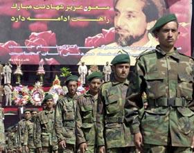 """Valget i Afghanistan ville sett annerledes ut hvis ikke """"Løven fra Pansjir"""", Ahmad Shah Masood, ble drept - trolig av Al Qaida - 9.9.2001. Her blir treårsdagen markert i Kabul. (Foto: S.Marai, AFP)"""