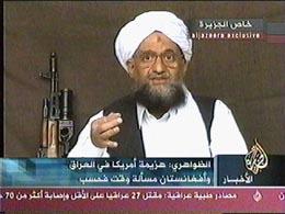 Så var han der igjen, bin Ladens høyre hånd Ayman al-Zawahri, med nye dommedags-profetier og løfte om at krigen fortsetter. (Foto: Al Jazeera)
