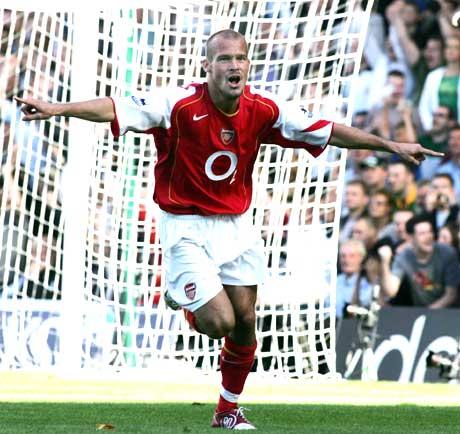 Fredrik Ljungberg spilte en stor kamp i Arsenal-trøya. (Foto: Scanpix)