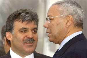 Abdullah Gul og Colin Powell (Foto: Scanpix / AP)