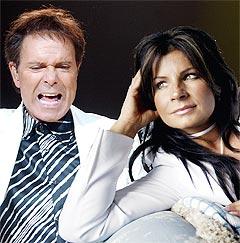 Carola drømmer om å få med seg Cliff Richard på en ny juleplate. Foto: Scanpix.