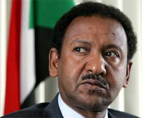 AVVISER: Utenriksminister i Sudan, Mustafa Osman Ismail, avviser USAs forslag til FN-resolusjon. (Foto: REUTERS/Yuriko Nakao )