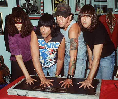 The Ramones i 1996; fra venstre; Joey, Marky, C.J. og Johnny. Foto: Robert Knight, AP/Scanpix.