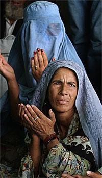 Nøden er stor i Afghanistan, her et bilde fra Kabul. (Foto: AP/Scanpix)