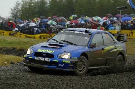 Rally Wales har blitt et sølerally etter kraftig regnvær. ( Foto: AFP PHOTO/CARL DE SOUZA /Scanpix)