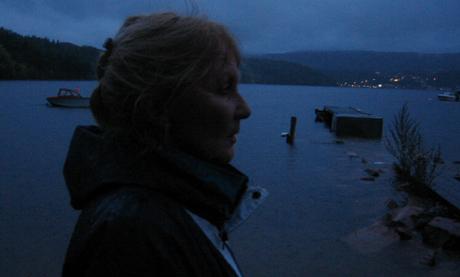 Inger Solberg stoler ikke på opplysningene om at miljøgiftene som Drammen Skipsreparasjon planlegger å dumpe i Dramstadbukta, er lett nedbrytbare.
