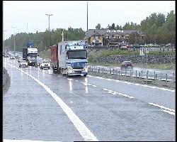 Den nye E6-strekningen ble åpnet for trafikk etter klokka 13 i dag.