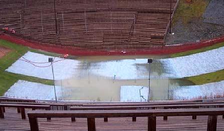 Oversvømmelse i overgangen i Granåsen (Foto: Frode Moen)