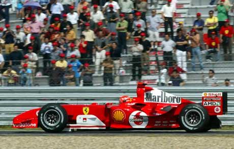Michael Schumacher under kvalifiseringen i Kina. (Foto: Reuters/Scanpix)