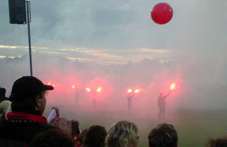17. april kommer Viking til Fredrikstad stadion. Da innledes festen for fullt av landets beste fotballsupportere. Foto: Rainer Prang, NRK.