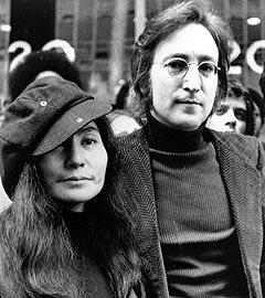 John Lennon og Yoko Ono. Foto: AP Photo.