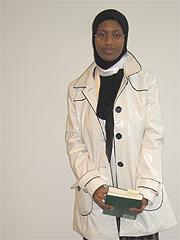Shamsa Ali bruker skautet fordi hun har lyst og fordi hun er stolt over identiteten sin som muslim. Foto: Per Kristian Johansen, NRK