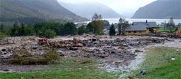 Fra flommen i Syvde 27.september. Foto: Roger Breiteig)