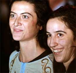 SAVNER IRAK - Simona Pari (t.v.) og Simona Toretta (Scanpix/AFP)