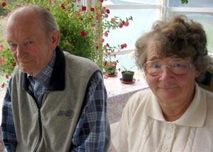Marit og Adolf Bøgh begynner å miste håpet om at drapsmannen til fosterdatteren Cathrine Halvorsen blir tatt. (Foto: Ann-Kristin Mo/NRK)