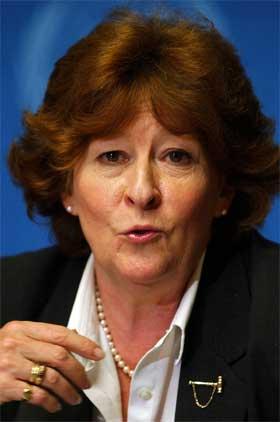 FORBRYTELSER: FNs Høykommisær for flyktninger, Louise Arbour, mener det har skjedd krigsforbrytelser i Darfur. (Foto: AP Photo/Keystone/Laurent Gillieron)
