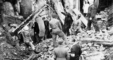 Holen skole på Laksevåg ble bombet 4. oktober 1944. Foto: Scanpix.