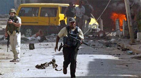 To bomber ble utløst på to ulike steder i Bagdad mandag. Foto: Reuters/Scanpix