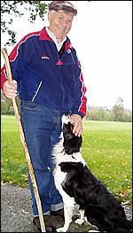 Reidar med hunden Sonja.