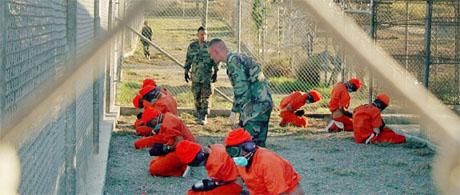 Det blir ikke aktuelt å stenge fangeleiren på Guantanamo-basen på Cuba. (Scanpix-foto)