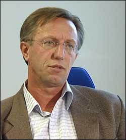 Ragnvald Brekke leder Skattekrimenheten. Foto: NRK